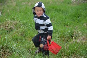 wei4-verspätete Ostereiersuche wegen Masern